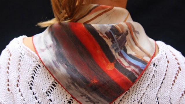 Comment créer un foulard personnalisé en soie : question fréquentes