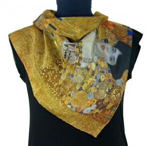 Klimt woman in gold adele-bloch-bauer silk scarf