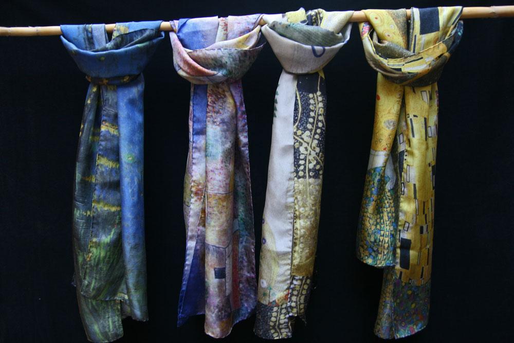 Étoles et foulards allongés ouverts