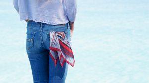 5 façons de porter un foulard tour de cou en soie
