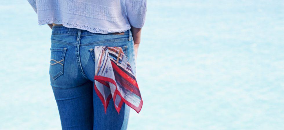 5 maneras de llevar un pañuelo de seda pequeño