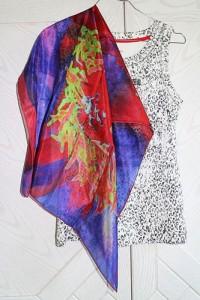 Florence Hirth carré de soie Lyrio Coeur de Pivoine