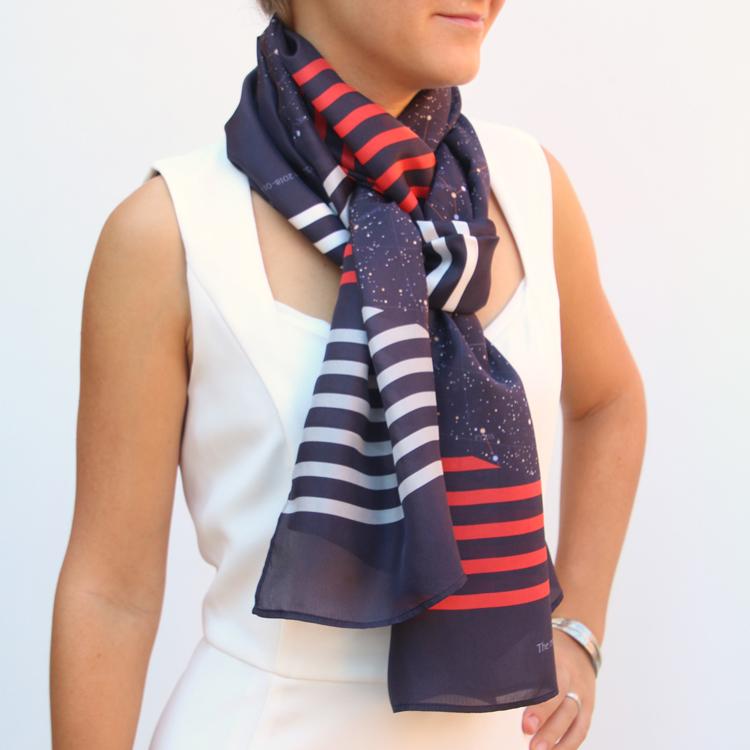 Foulard en soie tricolores rayé Fibra Creativa pour GreaterSkies